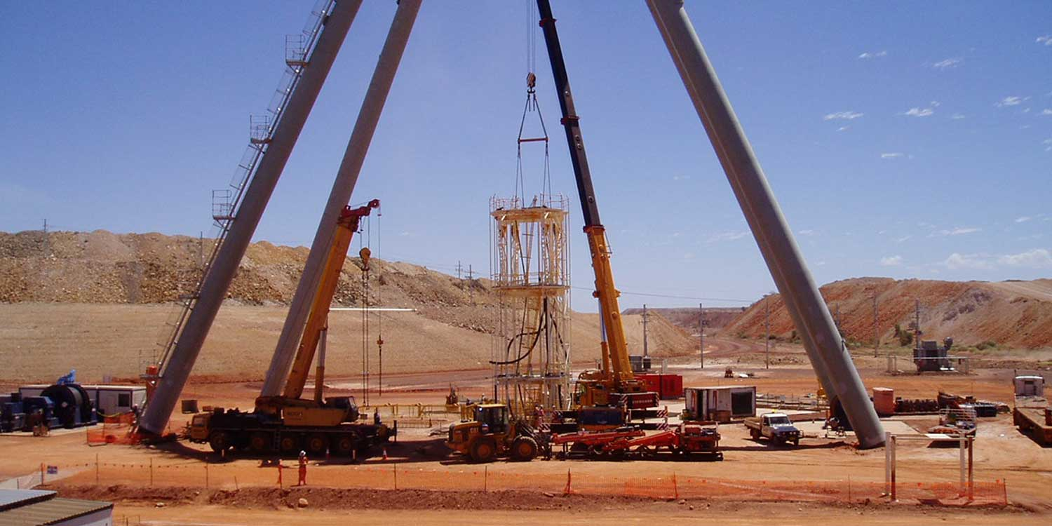 Byrnecut Shaft Sinking equipment being placed in Telfer project